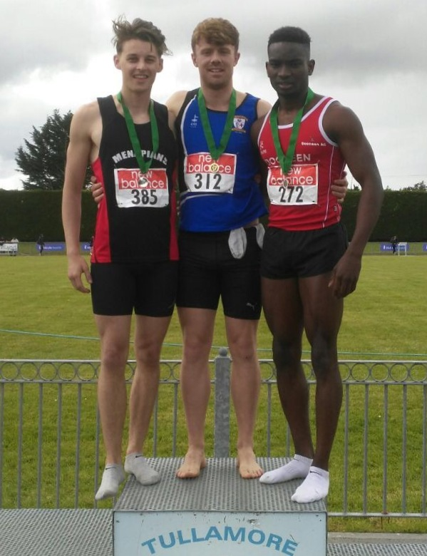 Mark Rogers (in the centre) at Leinster Senior Championships (Tullamore, June 2017)