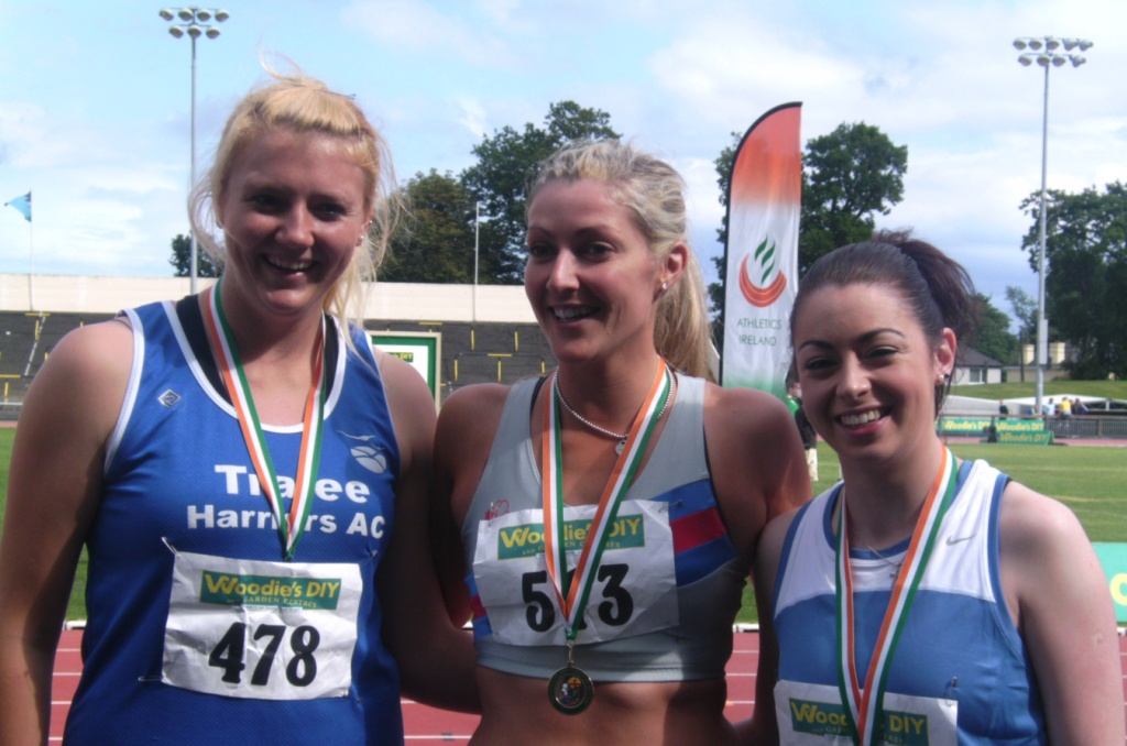 Olivia McDonald (on the right) at Irish Senior Championships (Santry, August 2011)